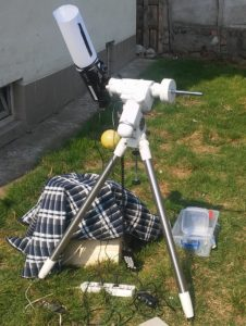 Amateur astronomers know what's the blanket for :P